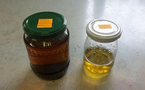 Koncentrát sirných jater – vpravo naředěná, připravená k použití