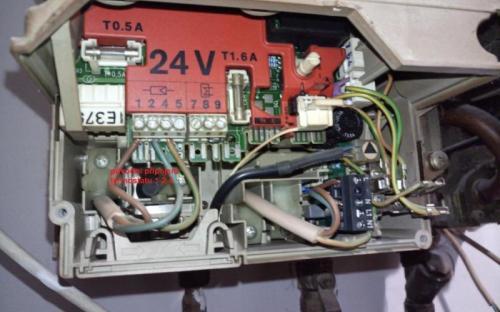 Připojovací svorkovnice kotle Junkers Eurostar ZE24 2AE
