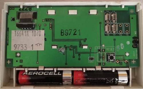 Prostorový termostat Honeywell CM 41 - zezadu