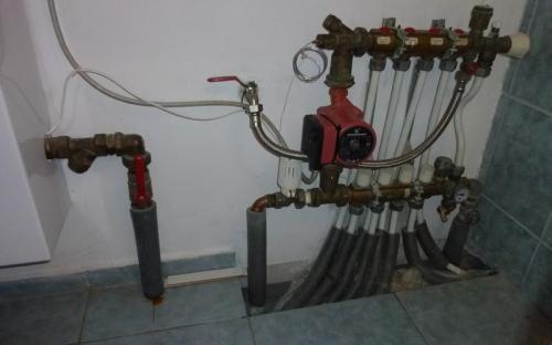 Podlahový rozdělovač - stávající